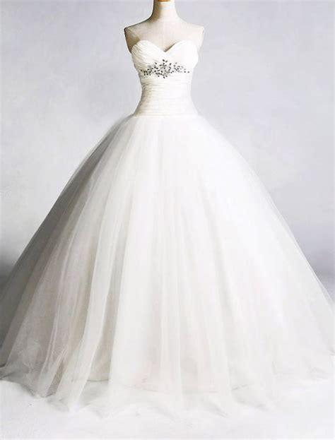 ball gown wedding dress with sweetheart neckline   Prom