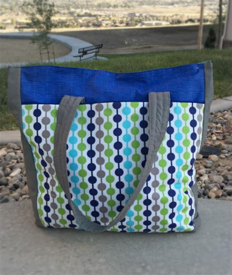 tote bag pattern with recessed zipper urban traveler tote bag favecrafts com