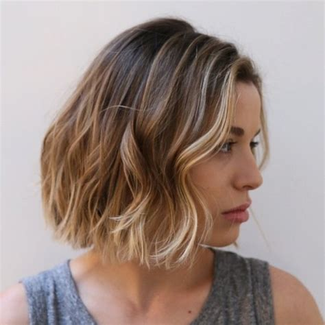 very short hairstyle with highlights lift and a bump on 20 edgy ways to jazz up your short hair with highlights