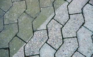 betonplatten streichen terrasse pflastersteine streichen steinterrasse selbst de