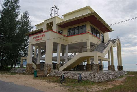 shelters nearby file tsunami shelter near khao lak thailand jpg
