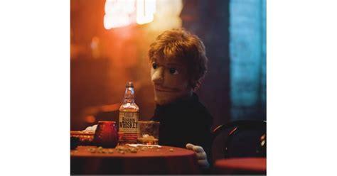 ed sheeran happier clip quot happier quot ed sheeran nous plonge dans le d 233 sespoir