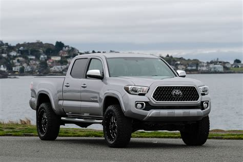 toyota limited 2017 toyota tacoma limited lifted silver arrow cars ltd
