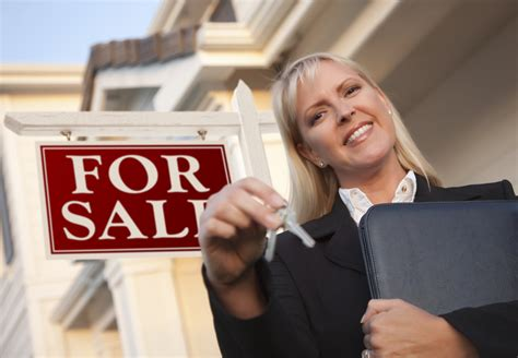 3 benefits of using a local real estate to sell a