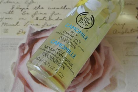 Precision Cleanse Detox Shoo Reviews by The Shop Camomile Silky Cleansing Reviewglitzeeglam