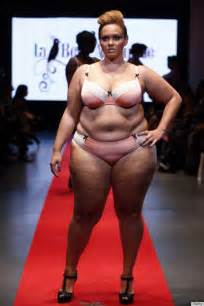 fashion for overweight women over 50 short hairstyle 2013