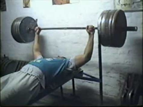 arnold schwarzenegger 500 pound bench press arnold schwarzenegger bodybuilding