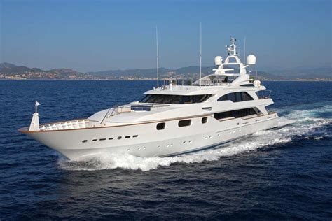 yacht brokerage exclusive yachts brokerage 183 charter 183 management