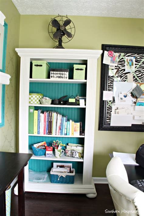 25 best ideas about paint bookshelf on
