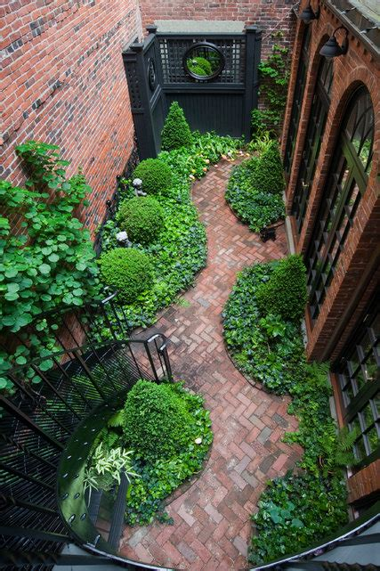 gawkers  house  garden tours   york times