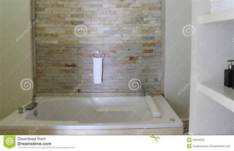 entwerfen badezimmer entwerfen sie ein badezimmer mit verblendern stockfoto