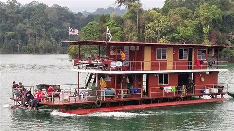 tasik kenyir boat house house boat tasik kenyir terengganu catatan kembara dunia