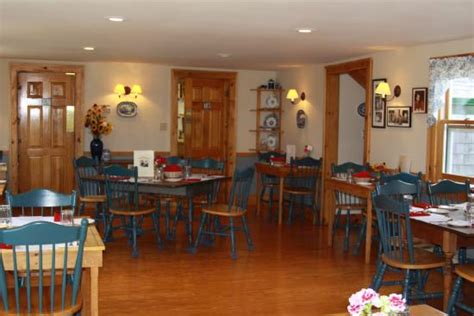 Whale Cove Cottages Grand Manan by Dinning At Whale Cove Cottages Picture Of Grand Manan