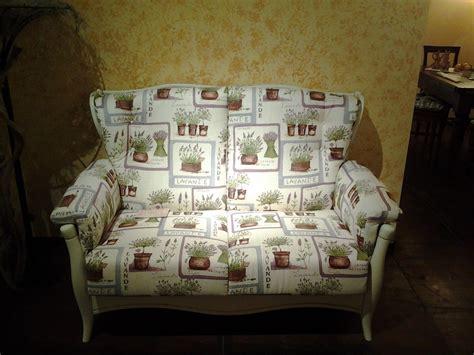 divani provenzali prezzi outlet divano provenzale divani a prezzi scontati
