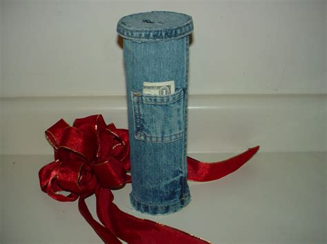pringles can crafts for make a bank from denim and a pringles can recycled craft