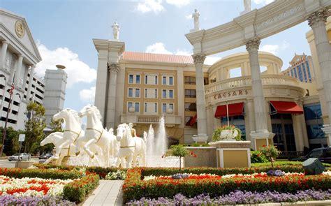 wynn plans  run  gambling  caesars atlantic city   bloomberg pokernews