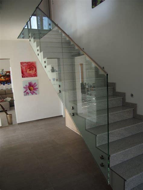 absturzsicherung treppengeländer bader glastechnologie i punktgehaltene br 252 stungsverglasung