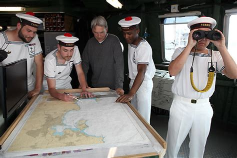 how does gibbs get boat out of basement mh in paris ncis photo 18869327 fanpop