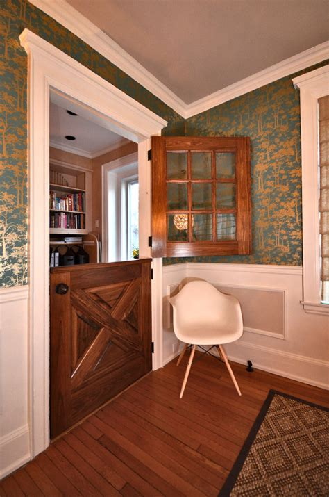 Dining Room Next To Front Door Baroque Freestanding Pet Gate In Landscape Traditional