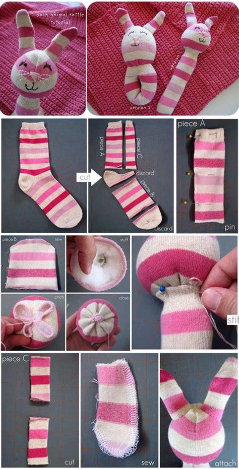 Ratlle Socks Animal sock animal rattle tutorial kinder toys