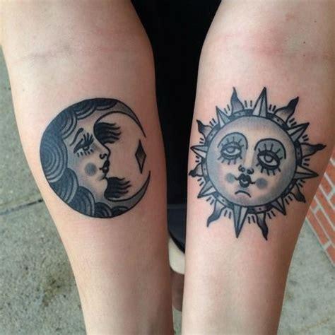 imagenes del sol y la luna para tatuar sol luna con rostros tatuajes para mujeres