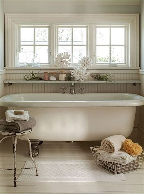 clawfoot bathtub shelf clawfoot tubs towels and window on pinterest