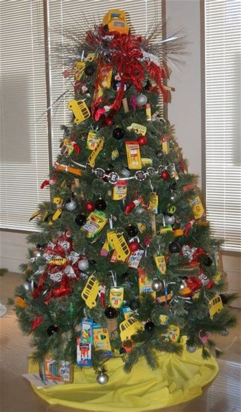 themed tree ideas creative decorating 19 tree ideas tree theme c r a f t