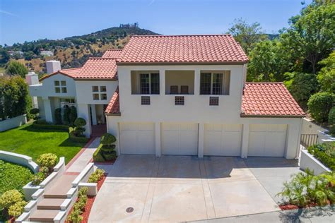 Luxury Portfolio Home Luxetrends Luxury Real Estate Blog Luxury Homes For Sale In Calabasas Ca