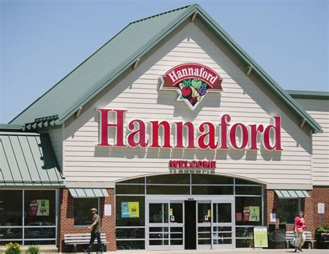Home Design Stores Portland Maine by Growing Dutch Company Eats Up Maine Based Hannaford Chain