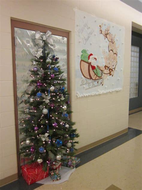 unique christmas door decoration 60 gorgeous office decorating ideas gt detectview