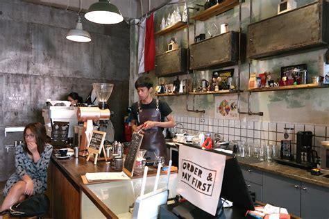 selebrasi minum kopi  coffee smith jakarta majalah otten coffee