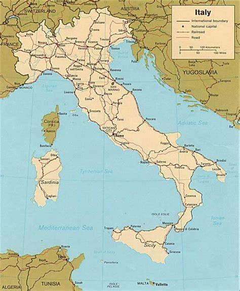 italy travel guide the real travel guide with stunning pictures from the real traveler all you need to about italy books enlarged map of italy