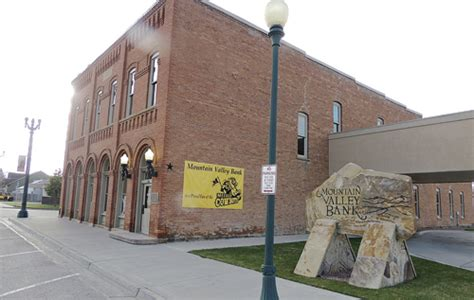 mountain valley bank meeker s ioof building turns 118 on national register for
