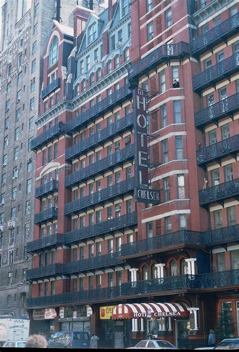 chelsea inn new york file hotel chelsea manhattan new york jpg wikimedia commons