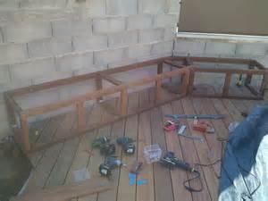 banc de rangement pour tour de piscine en bois