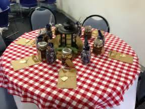 Western party themes western table decorations and western weddings