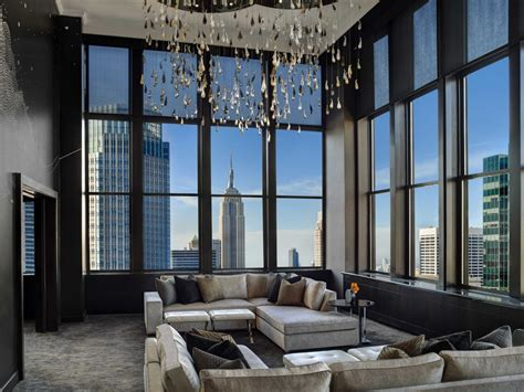 the living room ny penthouse at the new york palace costs 250k a month