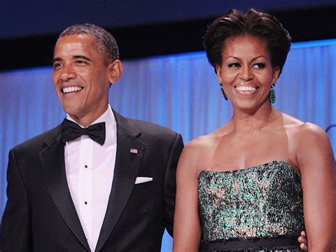 michelle obama netflix barack and michelle obama sign netflix deal to make