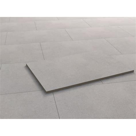 fliese feinsteinzeug grau terrassenplatte feinsteinzeug streetline grau 90 cm x 60