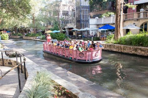 san antonio riverwalk boat torqeedo powers electric fleet for san antonio s river