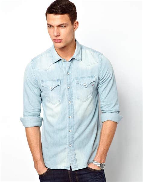 imagenes camisas vaqueras hombre camisa vaquera un b 225 sico a buen precio que debes tener