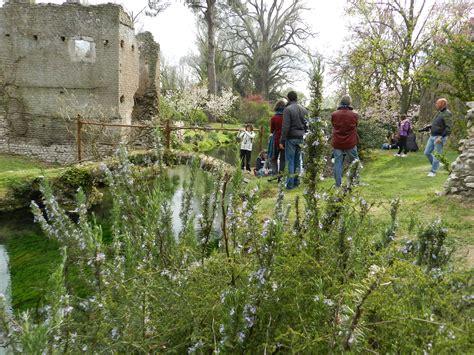 apertura giardini di ninfa il giardino di ninfa apertura straordinaria cisterna di