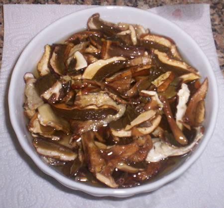 cucinare i funghi secchi zuppa ricetta funghi secchi ammollo