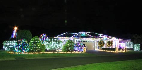 where to see the illawarra s best christmas lights 2017