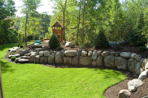 Boulder Landscaping Ideas with Boulder Retaining Wall