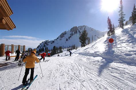 A Guide To Choose The Best Ski Resort In Collorado   Catholics Spirit