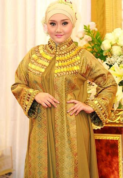 tutorial hijab pashmina untuk orang gemuk fitri muslimah penyanyi indonesia til beda dengan