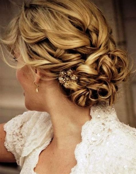 Wedding Hairstyles For Bridesmaids With Medium Length Hair by Bridesmaid Hairstyles For Medium Hair