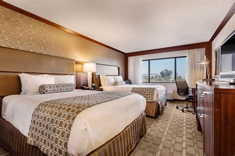 crowne plaza room prices crowne plaza hotel foster city san mateo 2017 room prices deals reviews expedia