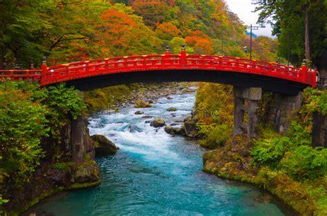 imagenes nikko japon shinkyo bridge during autumn in nikko tochigi japan